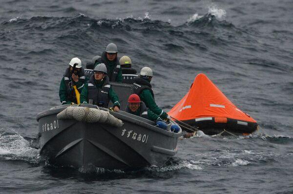 Японские моряки во время совместных российско-японских учений по поиску и спасению на море Сарекс-2019