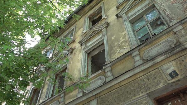 Жильцы аварийного дома в Калининграде требуют расселения