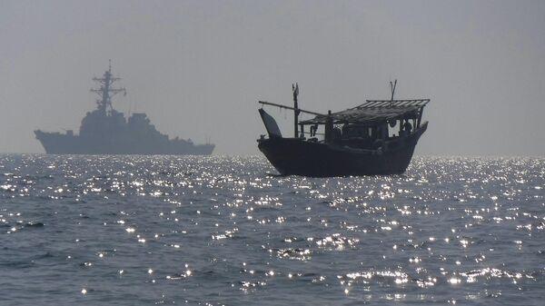 Эсминец USS McFaul (DDG 74) в Персидском заливе. 11 июня 2019