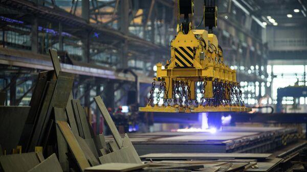 Резка листового металлопроката в цехе корпусных производств ССК Звезда