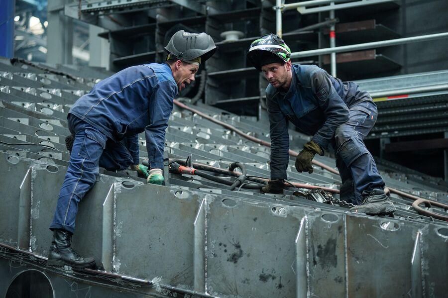 Сварщики ССК Звезда в блоке корпусных производств