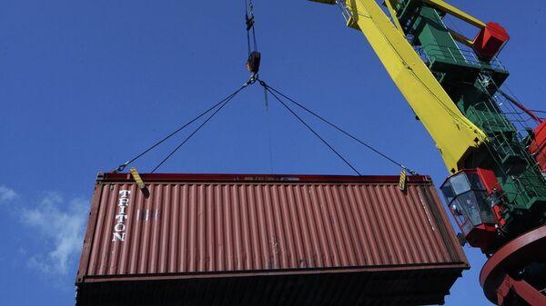 Погрузочно-разгрузочные работы в контейнерном терминале