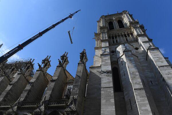 Восстановительные работы Собора Парижской Богоматери (Notre Dame de Paris) после пожара