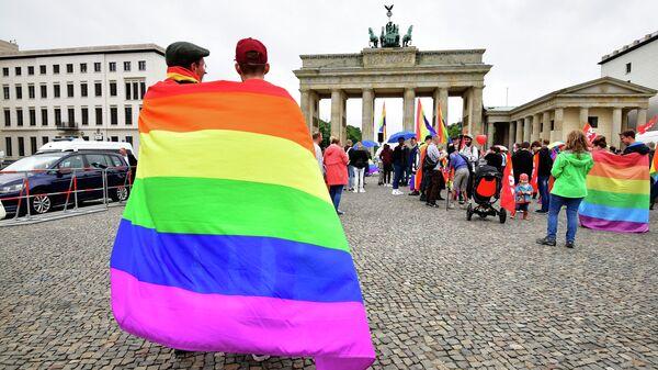 Польский Сейм: против педофилии или ЛГБТ?   Брюссельское бюро Польский Сейм: против педофилии или ЛГБТ?