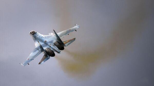 Самолет Су-35С на Международном военно-техническом форуме Армия-2019