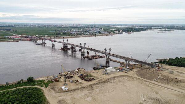 В Благовещенске достроили мост через Амур в Китай