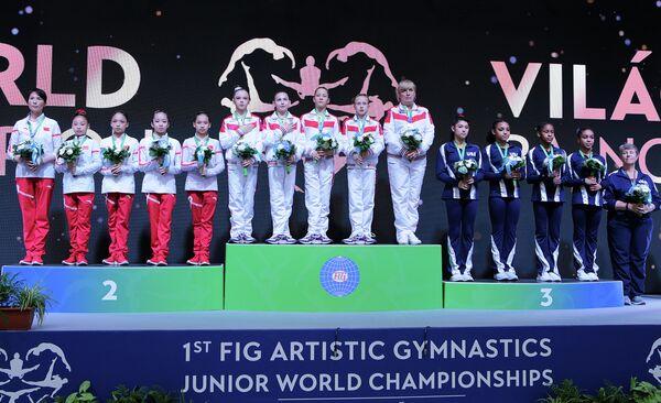 Церемония награждения на юниорском чемпионате мира по спортивной гимнастике