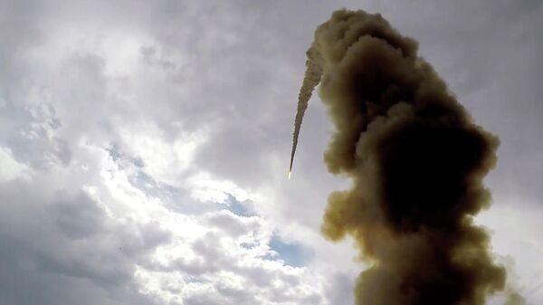 Испытательный пуск новой противоракеты системы ПРО на полигоне Сары-Шаган в Казахстане. 2 июля 2019