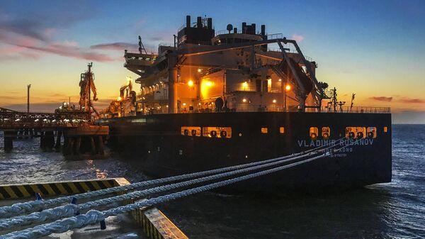 СПГ-танкер Владимир Русанов с продукцией завода Ямал СПГ в порту Наньтун
