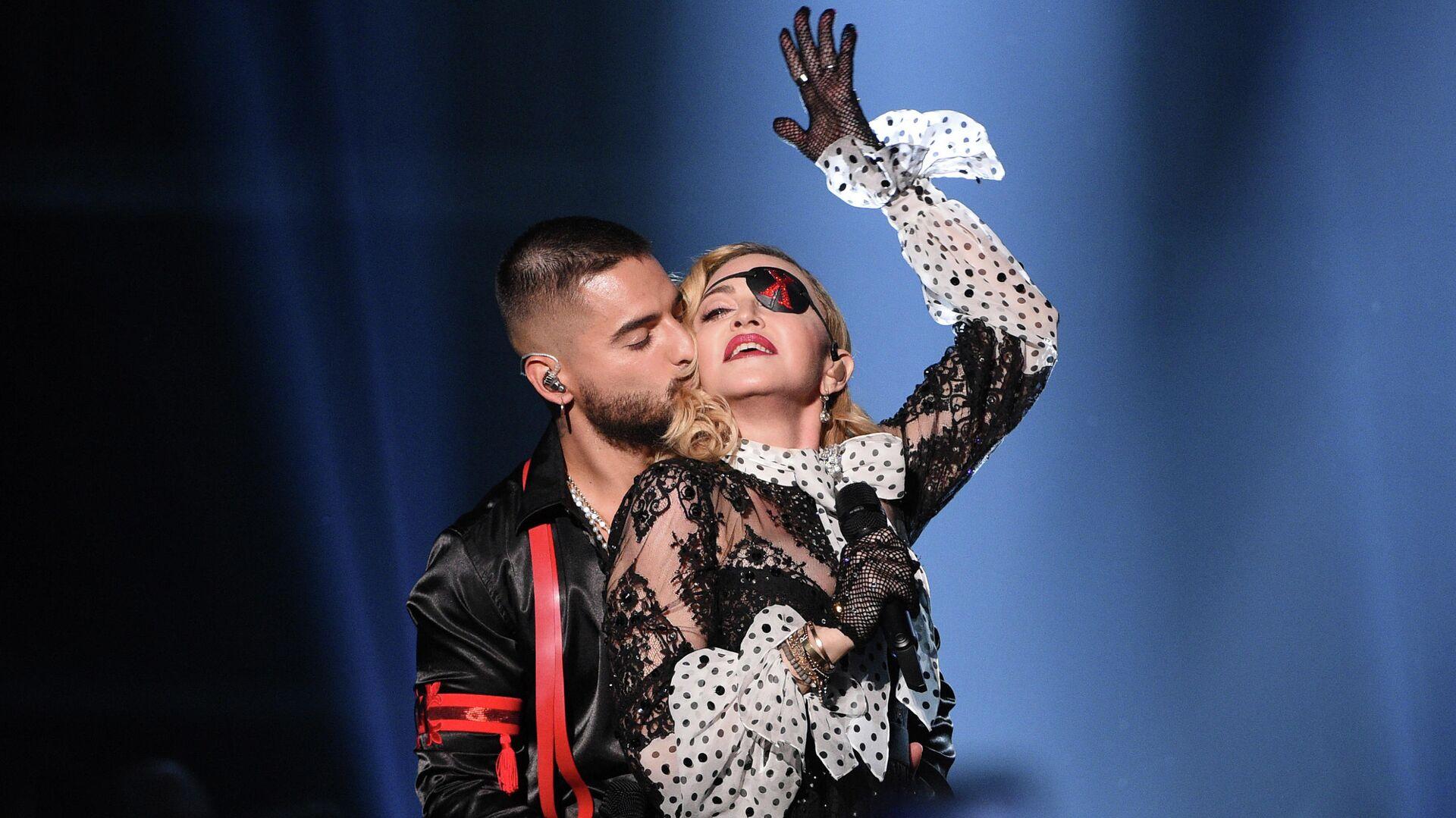 Певец Малума целует Мадонну на Billboard Music Awards в Лас-Вегасе - РИА Новости, 1920, 08.03.2020