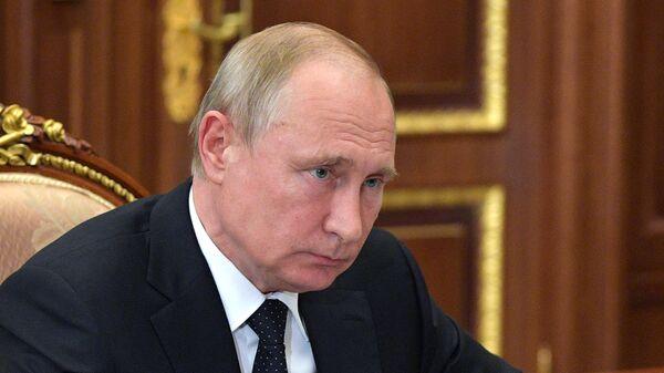 Президент РФ В. Путин встретился с председателем совета директоров ПАО «Газпром» В. Зубковым