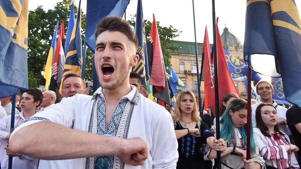 Участники марша националистов во Львове