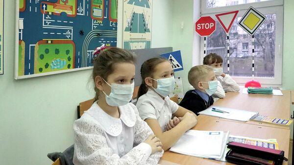 Волонтеры помогут школьникам познакомиться с медицинскими профессиями