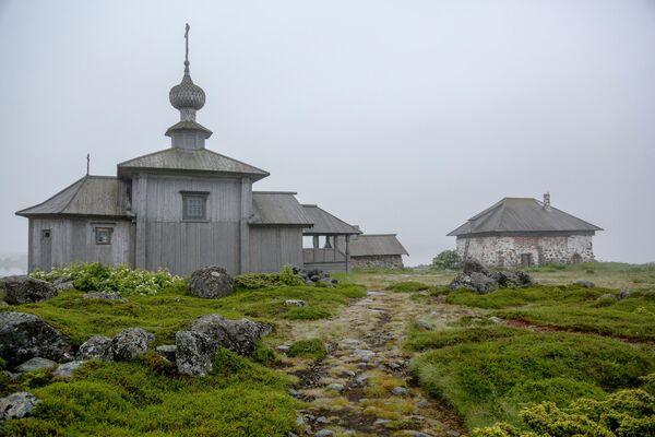 Церковь святого апостола Андрея Первозванного, построенная по указанию Петра I, на Заяцком острове