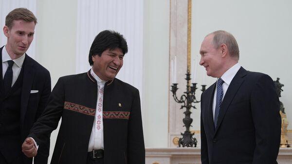 Владимир Путин и президент Боливии Эво Моралес во время встречи. 11 июля 2019