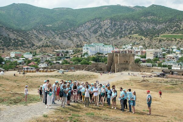 Выезд школы Современная реставрация на экскурсию в Генуэзскую крепость, г. Судак