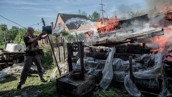 Последствия артобстрела Славянска украинскими военными
