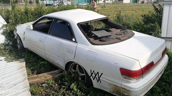 Автомобиль на месте ДТП в селе Кунашак