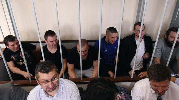 Задержанные украинские моряки на заседании Лефортовского суда города Москвы, где рассматривается ходатайство следствия о продлении им ареста. 17 июля 2019