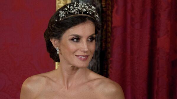 Королева Испании Летиция  во время официального обеда в Королевском дворце в Мадриде. 27 февраля 2019