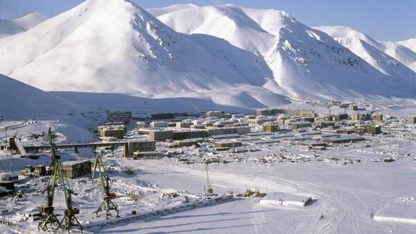 Вид на поселок Эгвекинот - центр Иультинского района Чукотки