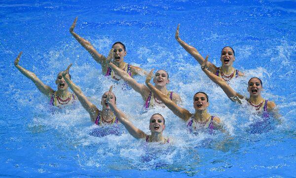 Спортсменки сборной России выступают в технической программе соревнований групп по синхронному плаванию на XVIII чемпионате мира по водным видам спорта в южнокорейском Кванджу