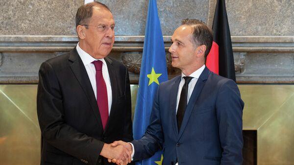 Министр иностранных дел России Сергей Лавров и министр иностранных дел Германии Хейко Маас на форуме Петербургский диалог