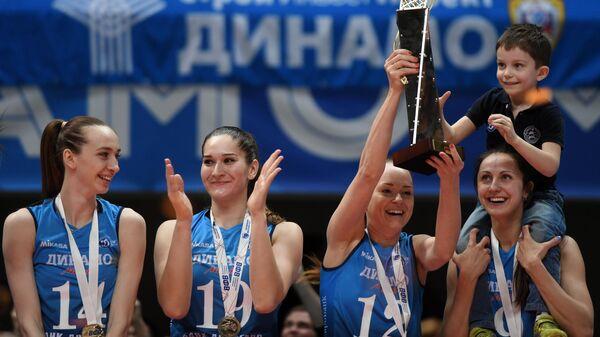 Волейболистки московского Динамо Анна Лазарева, Дарья Столярова, Марина Бабешина и Вера Ветрова