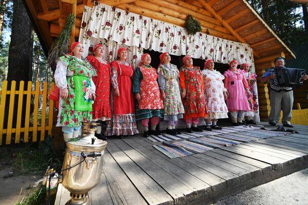 Выступление творческого коллектива на IV всероссийском фестивале Скорлупино