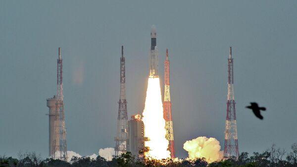 Запуск ракеты-носителя Mk III с автоматической экспедицией Чандраян-2 с космодрома космического центра имени Сатиша Дхавана. 22 июля 2019