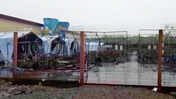 Последствия пожара в палаточном городке на территории горнолыжного комплекса Холдоми. Стоп-кадр видео СУ СК России по Хабаровскому краю