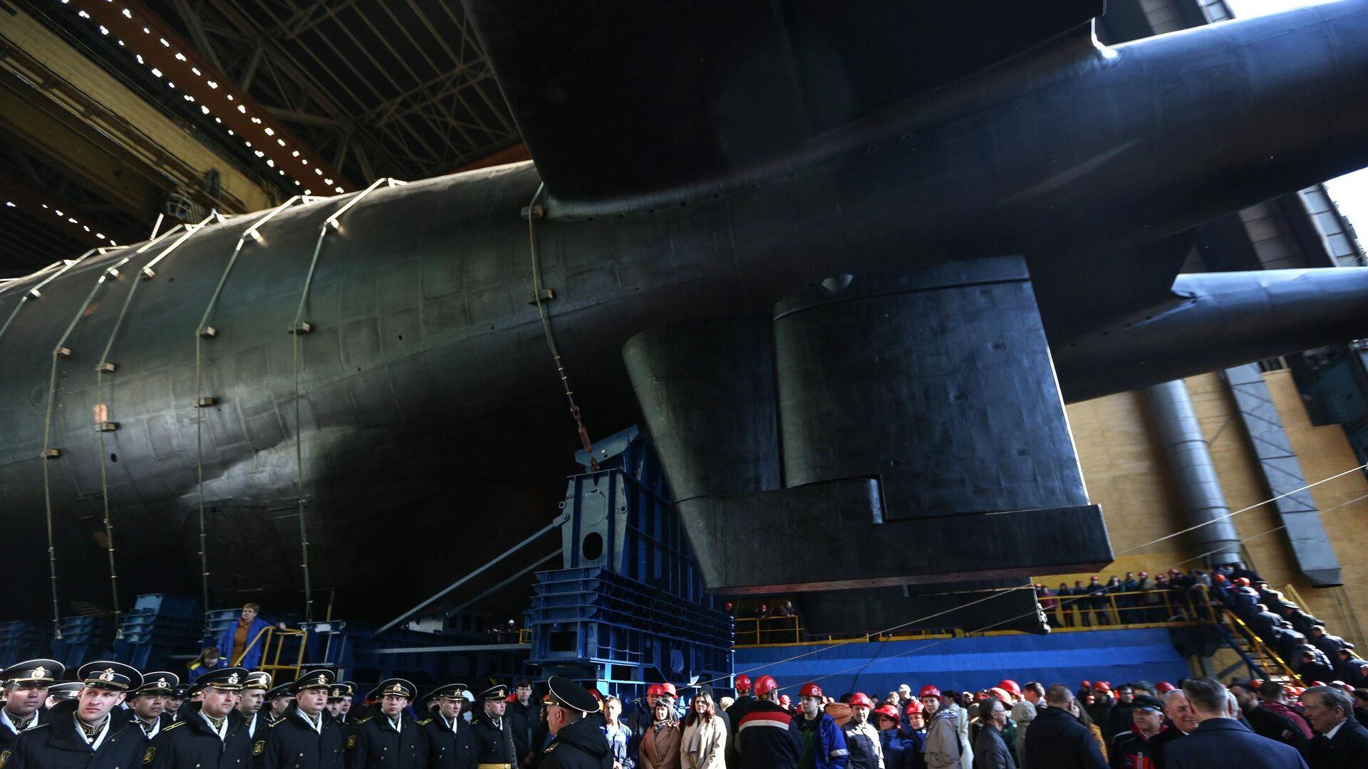 Спуск на воду атомной подводной лодки  - РИА Новости, 1920, 26.07.2021