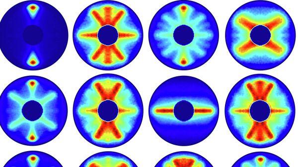 Фотографии молекулы в разные моменты времени, полученные лазером XFEL