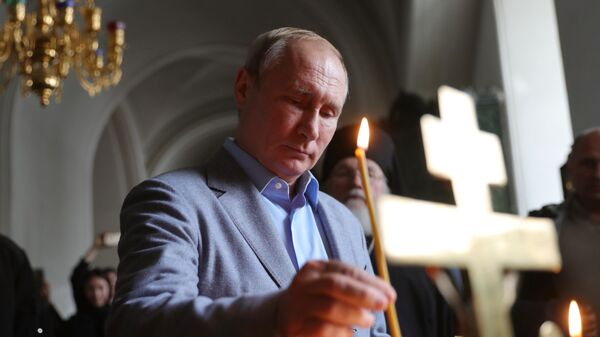 Президент РФ Владимир Путин в храме