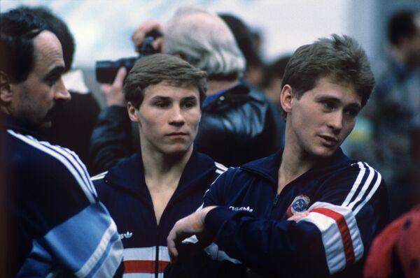 Советские гимнасты (слева направо): Валерий Люкин и Юрий Королев