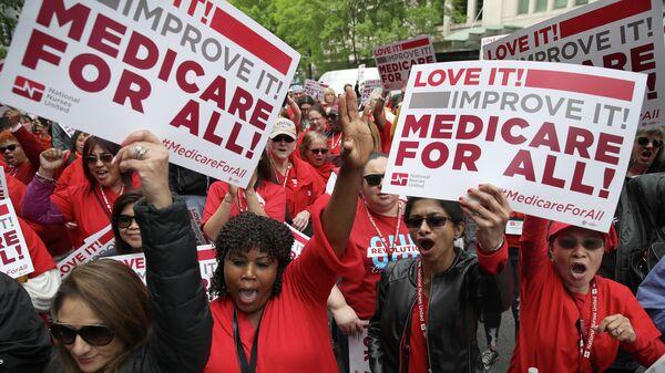 Митинг сторонников Medicare for all в Вашигтоне
