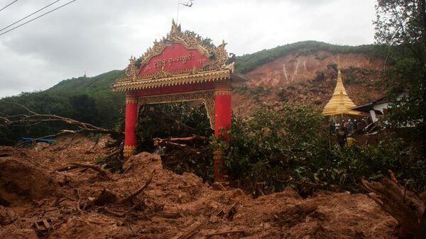 Последствия оползня в поселке Паунг в штате Мон на юго-востоке Мьянмы