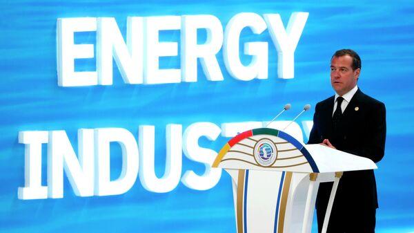 Дмитрий Медведев выступает на Первом Каспийском экономическом форуме. 12 августа 2019