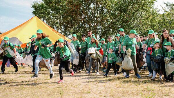 На Канонерском острове в Санкт-Петербурге убрали почти 3 тонны мусора