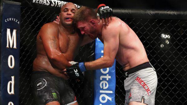 Бой Стипе Миочича и Даниэля Кормье в рамках турнира UFC