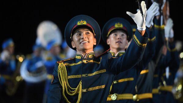 Образцово-показательный оркестр и рота почетного караула Национальной гвардии Республики Казахстан на репетиции парада участников Международного военно-музыкального фестиваля Спасская башня на Красной площади в Москве.