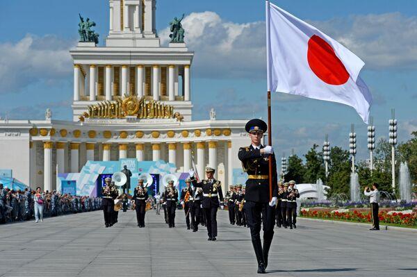 Центральный оркестр Сухопутных Сил самообороны Японии во время торжественного шествия участников фестиваля Спасская башня на ВДНХ
