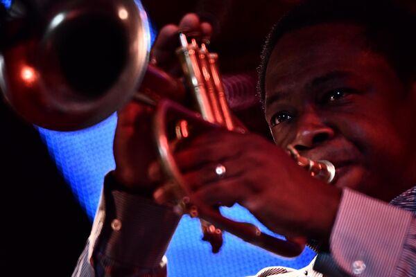Музыкант Родни Грин во время выступления джазового ансамбля Якова Окуня на 17-м международном музыкальном фестивале Koktebel Jazz Party в Крыму