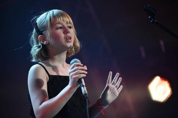 Певица Ярослава Дегтярёва выступает на 17-м международном музыкальном фестивале Koktebel Jazz Party в Крыму