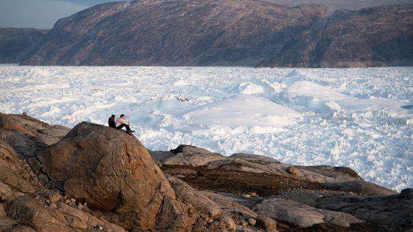 Ледник Хельхайм в Гренландии