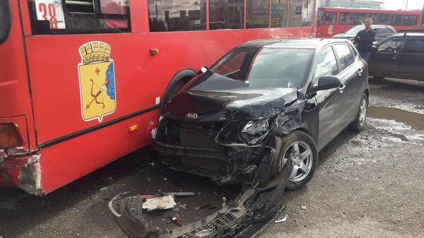 ДТП на улице Комсомольской города Кирова водитель с участием автобуса Лиаз. 26 августа 2019