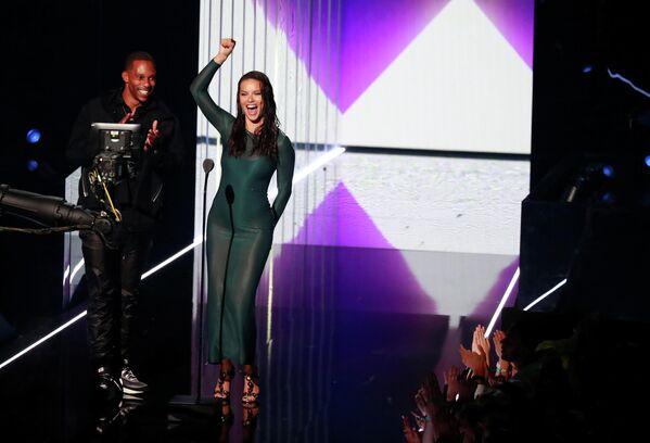 Виктор Круз и Адриана Лима на церемонии вручения премии 2019 MTV Video Music Awards