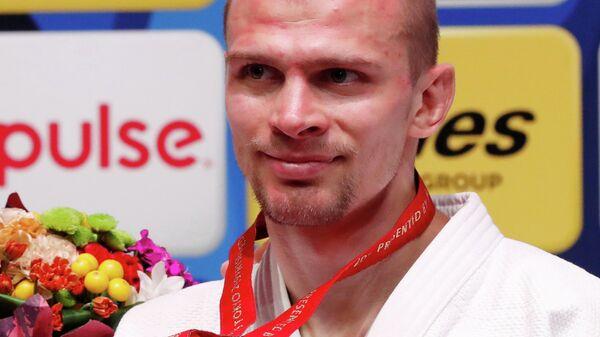 Денис Ярцев с медалью чемпионата мира по дзюдо