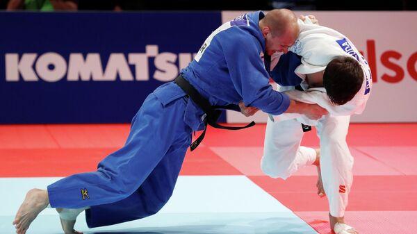 Денис Ярцев во время финальной схватки на чемпионате мира по дзюдо