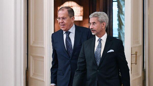 Министр иностранных дел РФ Сергей Лавров и министр иностранных дел Индии Субраманиам Джайшанкар во время встречи в Москве
